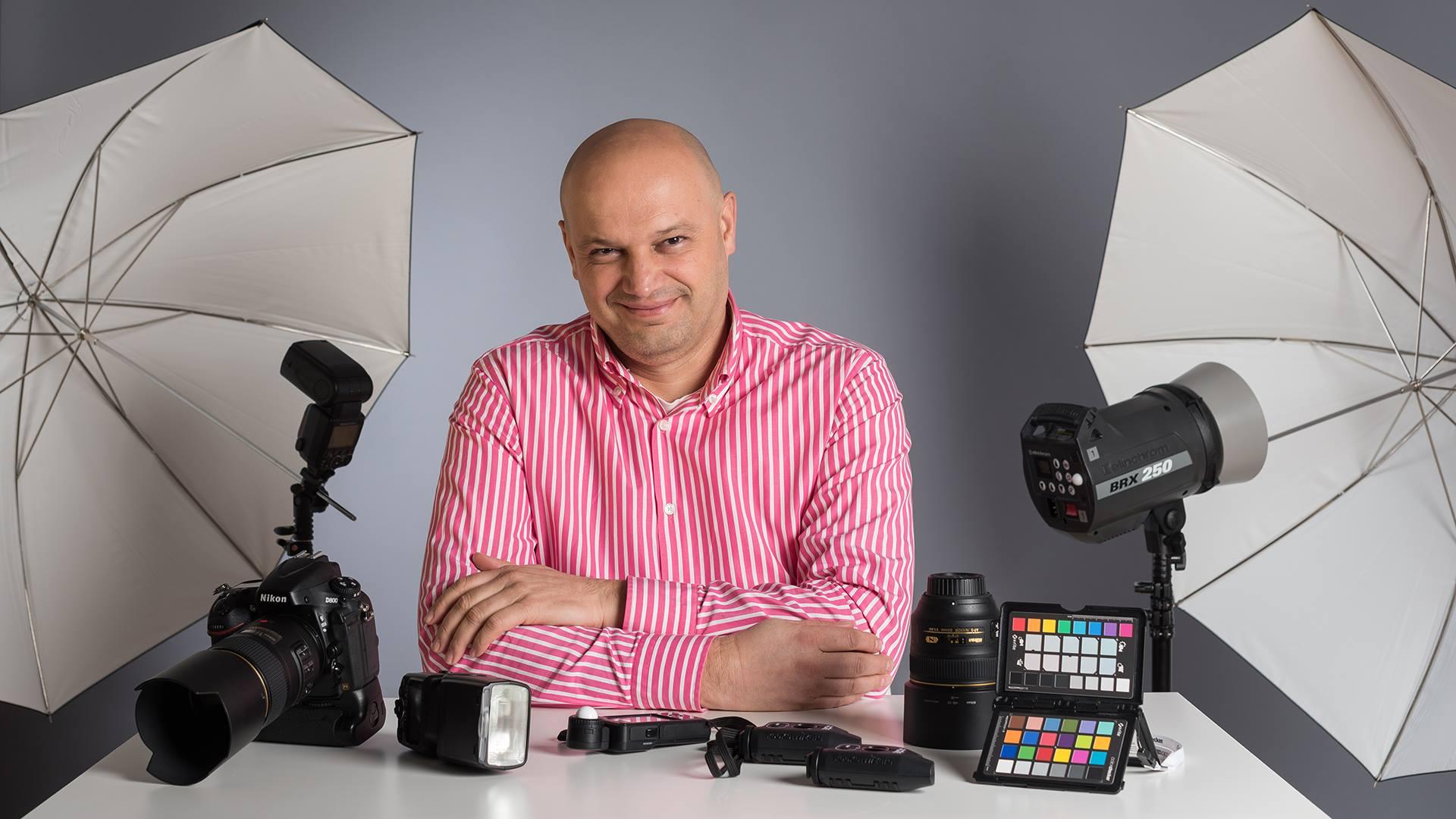 Фотография в студио-работа с осветление и контрол на светлината
