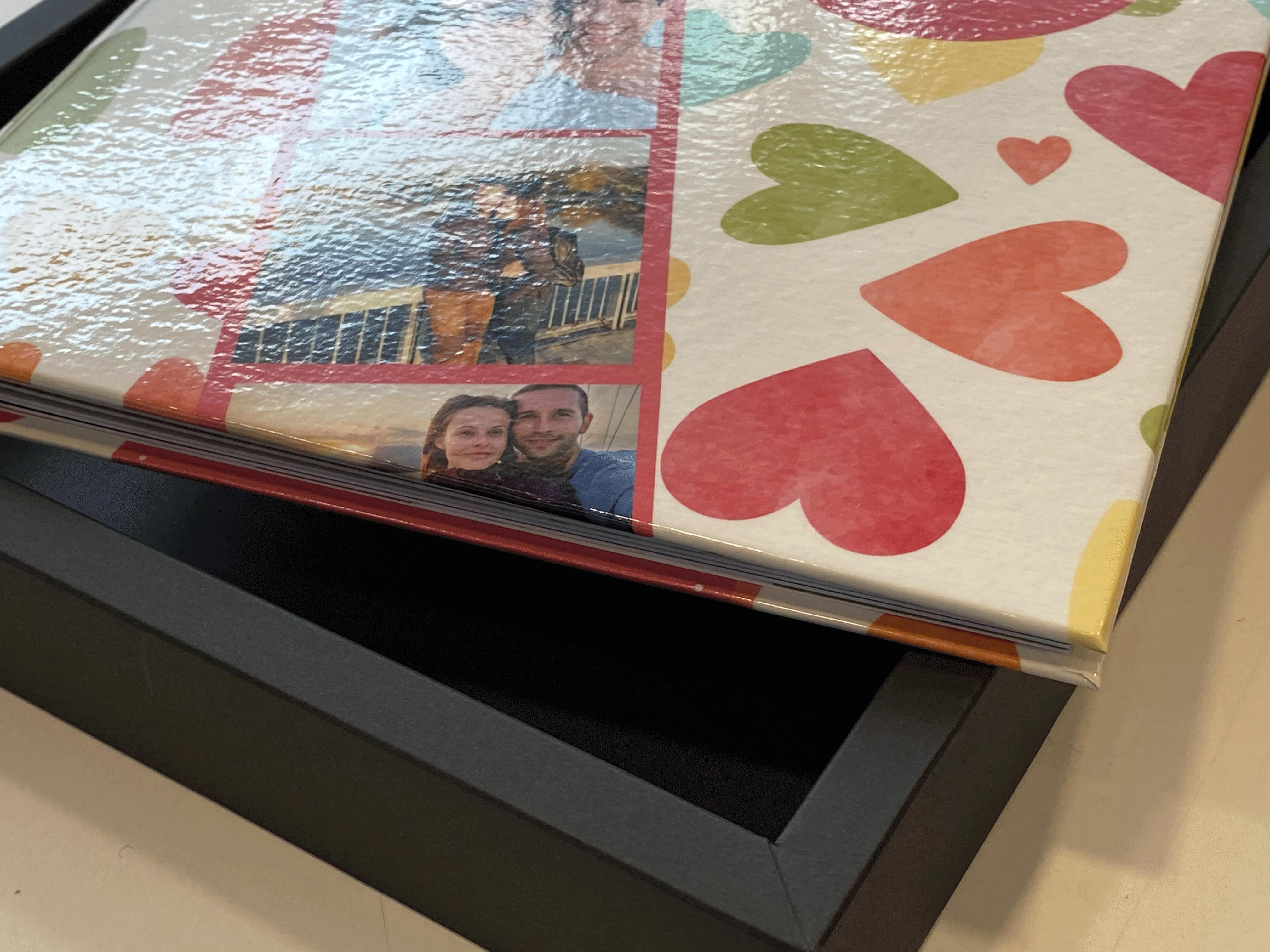 фото книга - романтичен подарък за Свети Валентин