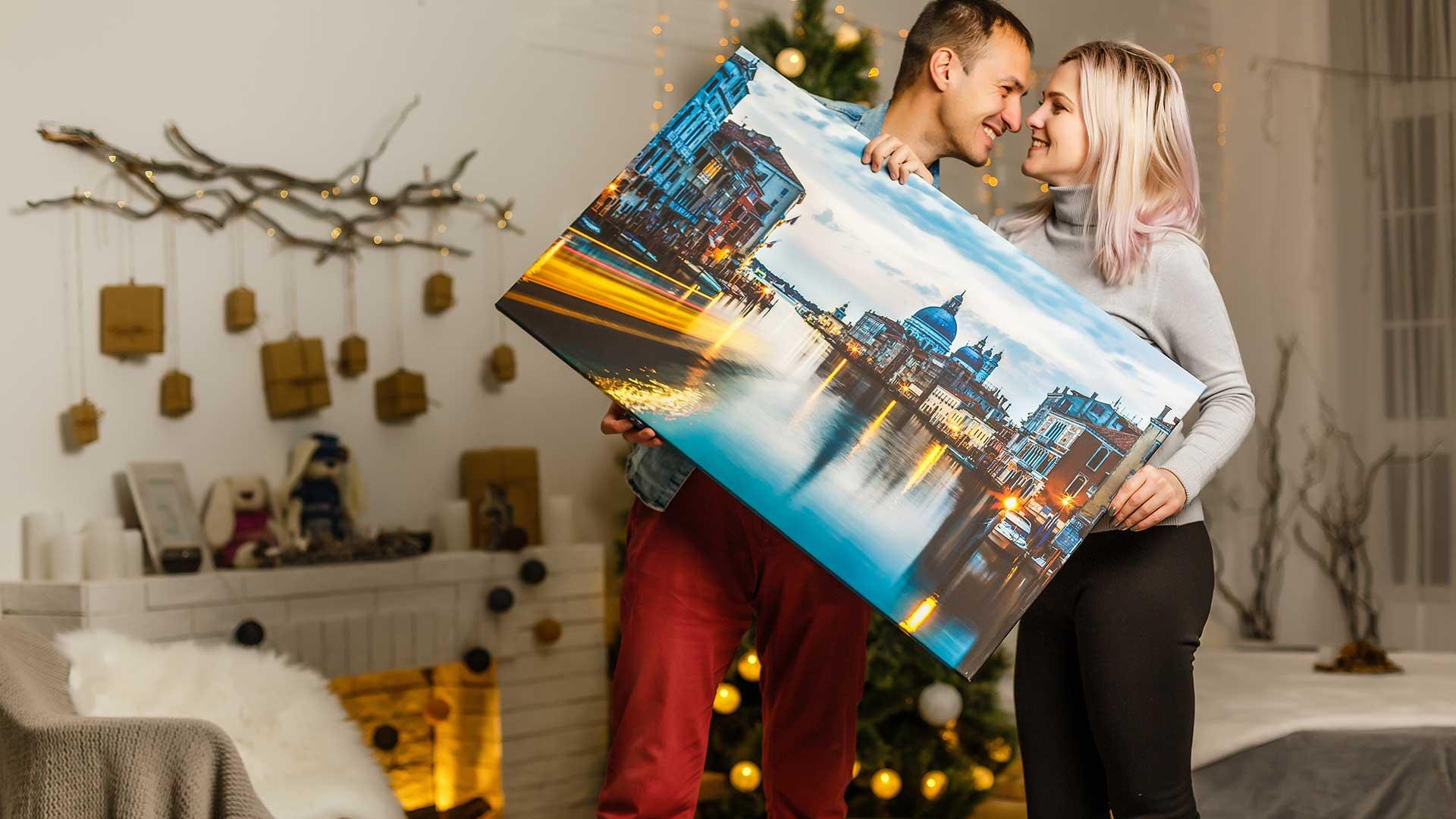 Сантиментален подарък за Коледа – канава за стена